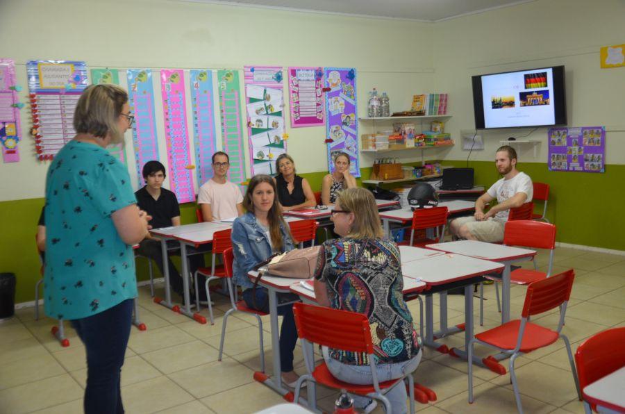 feed9b8118 Começam as aulas gratuitas de Idiomas em Morro Reuter! - Morro Reuter