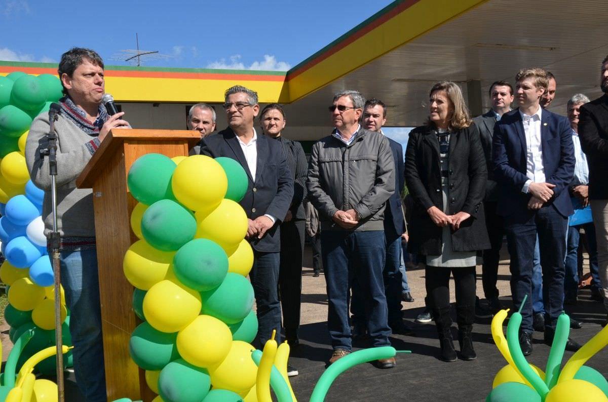Ministro da Infraestrutura inaugura obra na BR-116, em Morro Reuter