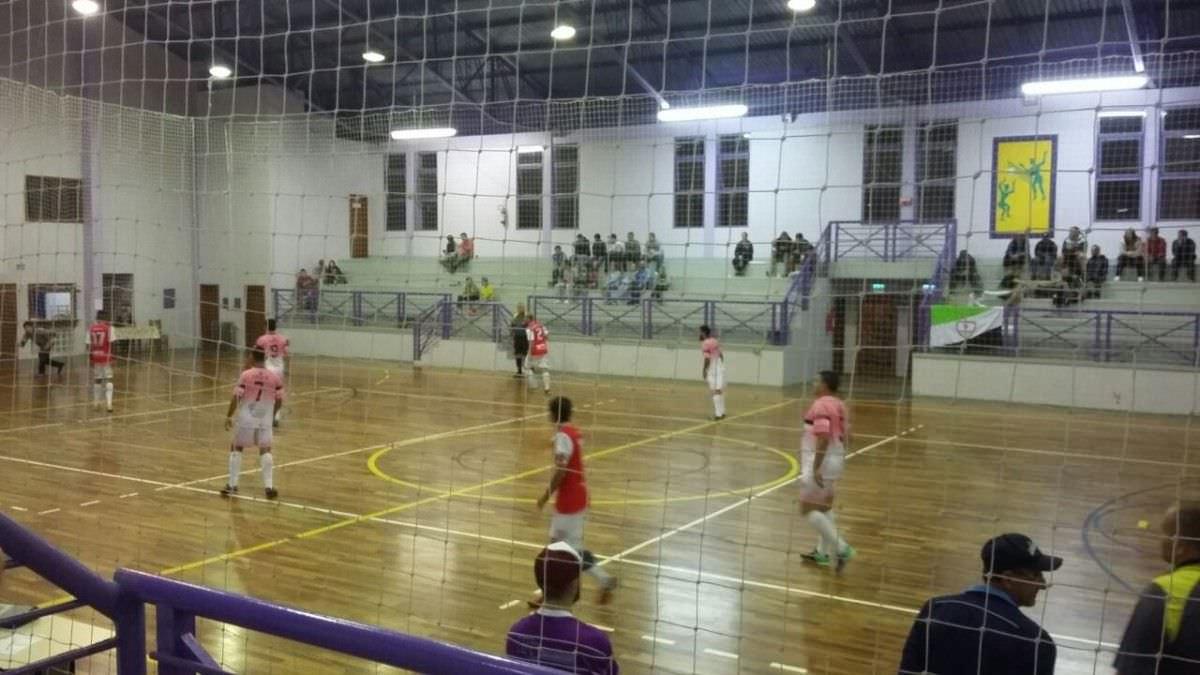 61fa2e44a5 Nessa quarta tem reunião sobre o Futsal - Morro Reuter