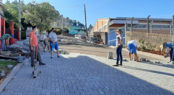 Rua Ipê recebe a Pavimentação Comunitária