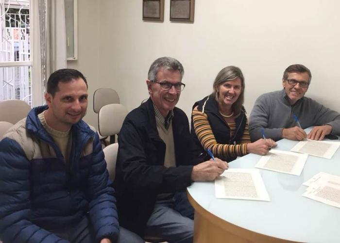 Prefeitura recebe terreno para a construção de creche