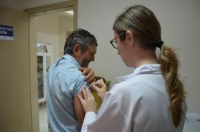 Vacinação do grupo prioritário segue até 12 de maio